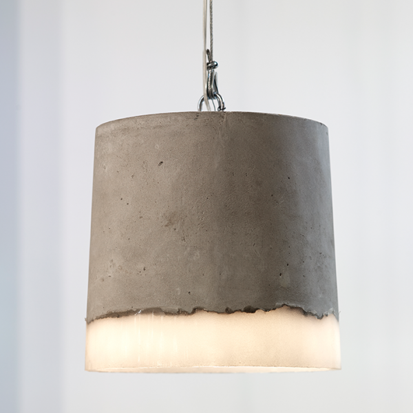 hanglamp-beton-rond-groot-sfeer2
